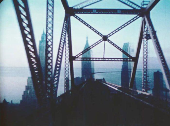 Sonorizzazione dei «Brussels Loops» e proiezione di «Bridges-Go-Round» | Visionaria
